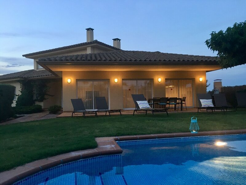 Modern Villa in les Corts With Pool