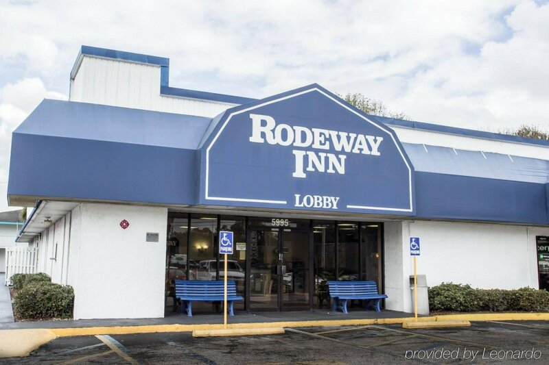 Rodeway Inn Maingate Hotel