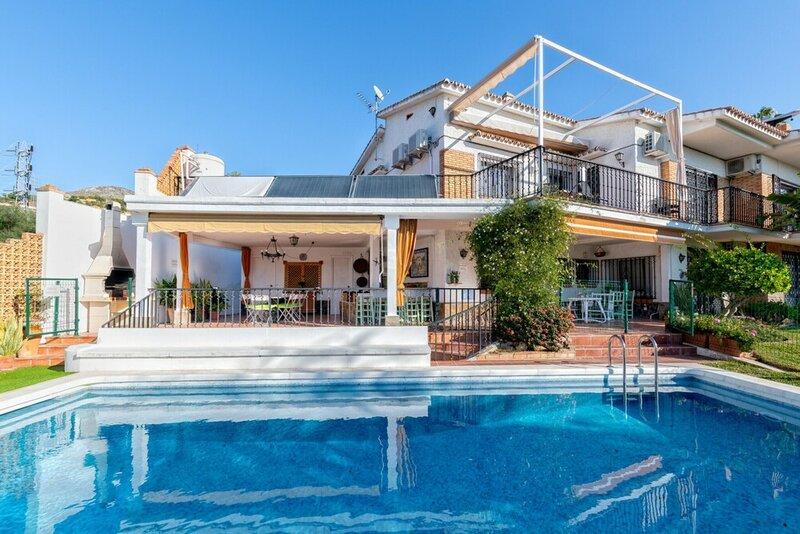 Living4Malaga Villa Miraflores