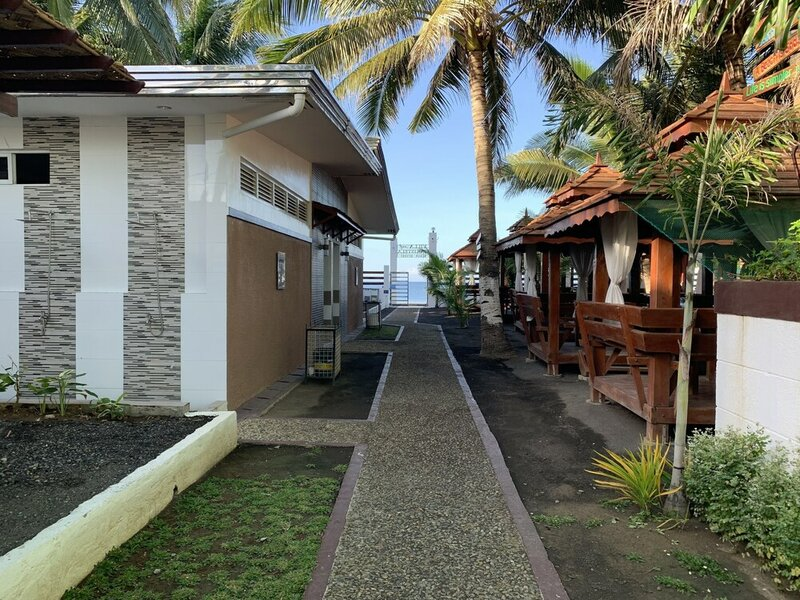 Villa Mj Maristela Beach Resort