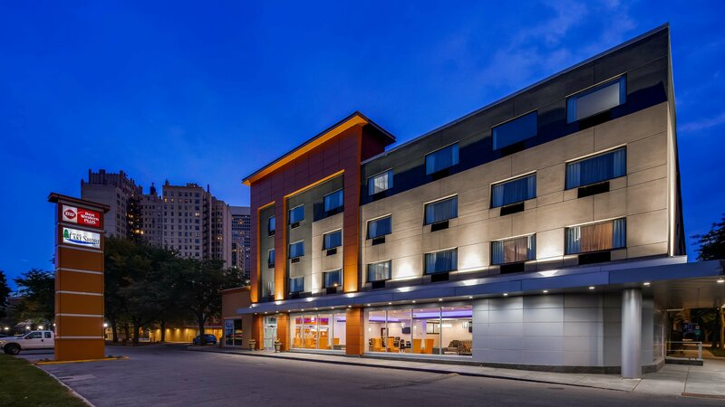 Best Western Plus Hyde Park Chicago Hotel