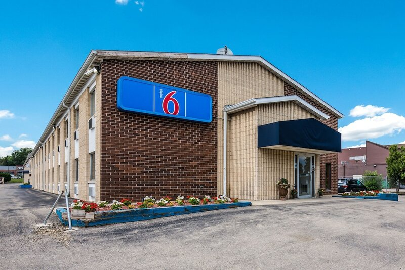 Motel 6 Madison, Wi - East