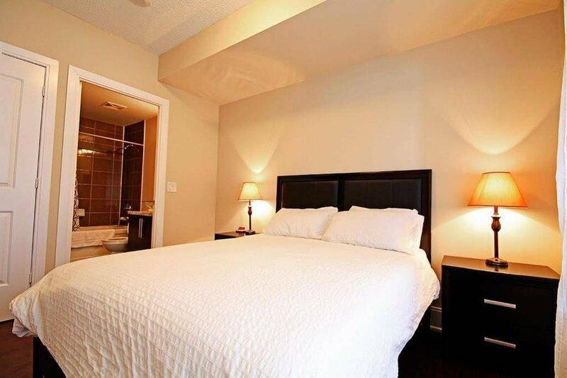 Red Maple Suites Mississauga