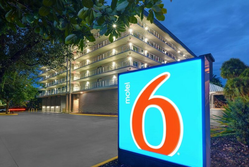 Motel 6 Cutler Bay, Fl