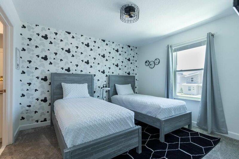 4563nl - Storey Lake Resort