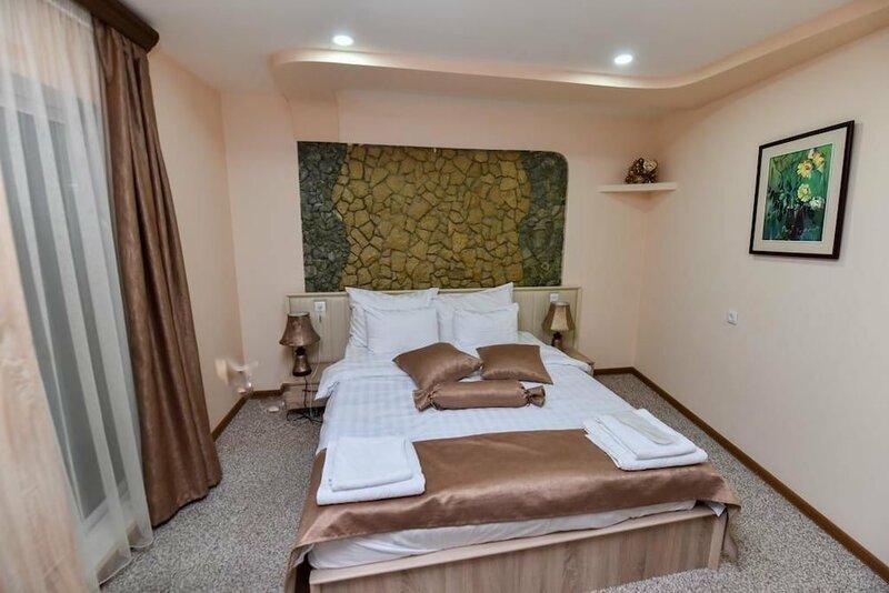 Отель Гаяне