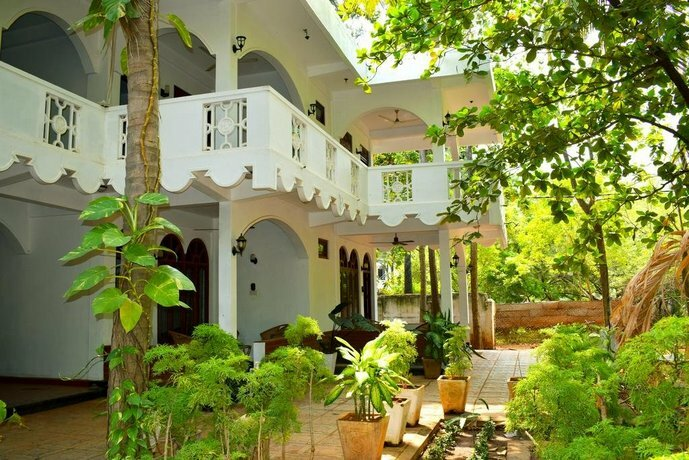 Elegant Green Beach Resort
