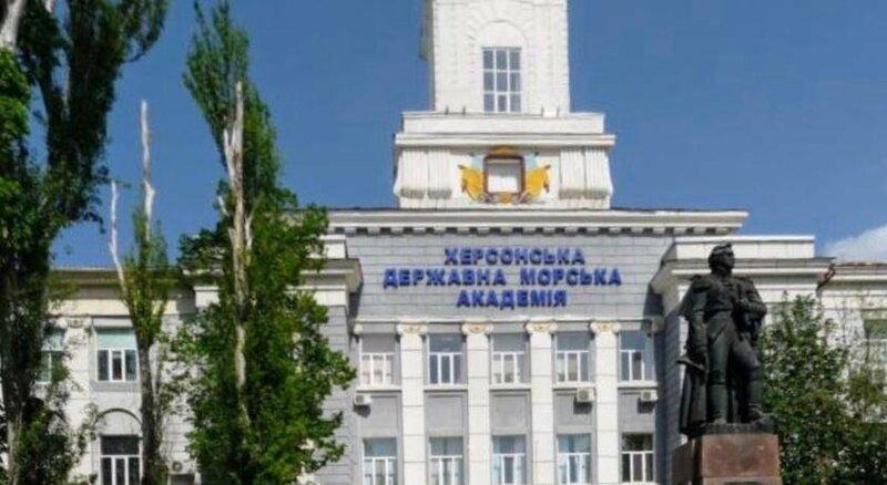 Apartment on Ushakova Street 51