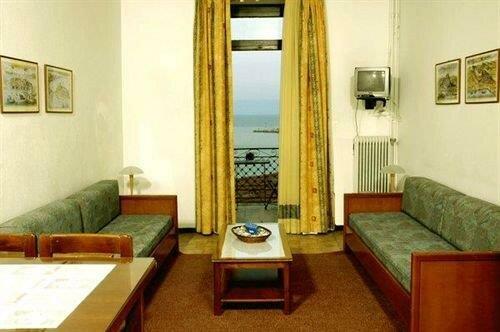 Gythion Hotel