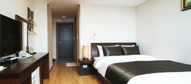 Iris Hotel Seogwipo