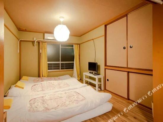 Kobayashi Mansion 401