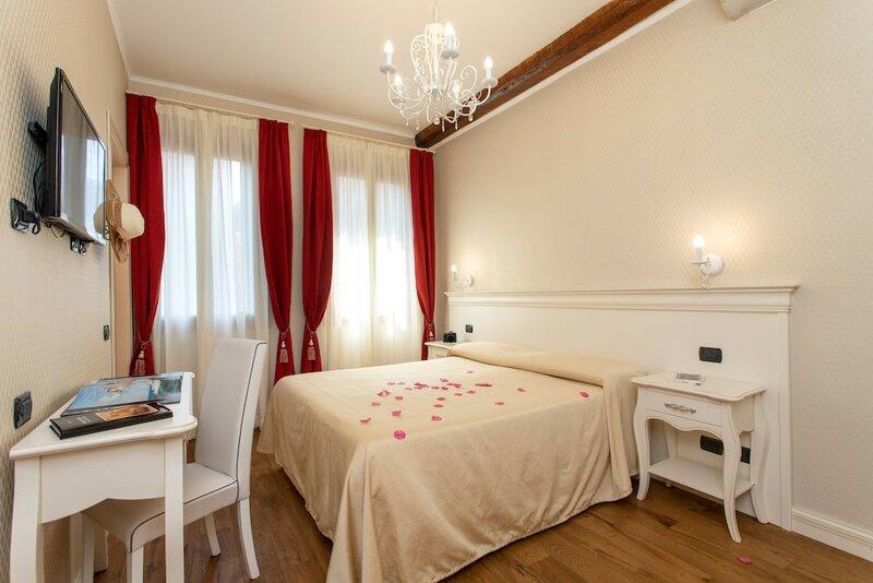 Charming Palace Santa Fosca