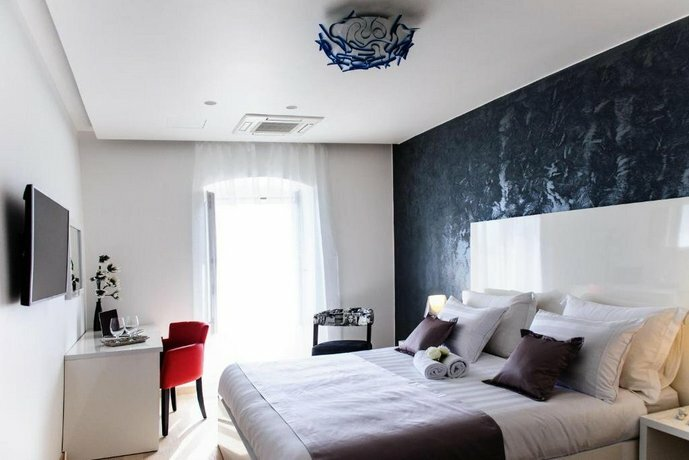Luxury Rooms Skyfall