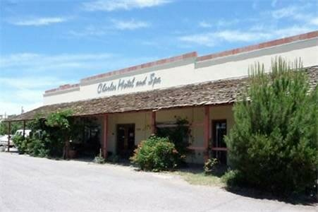 The Charles Motel and Hot Springs SPA