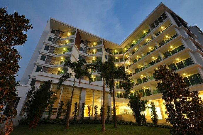 Vareena Palace Hotel Pattaya Chonburi