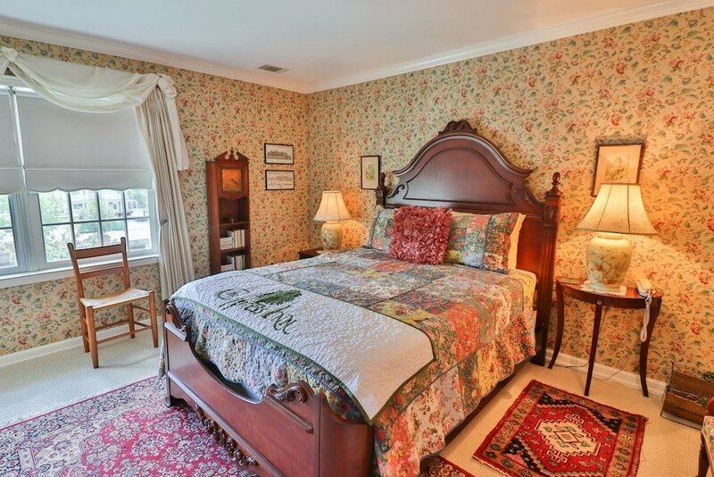 The Cypress Inn Bed & Breakfast