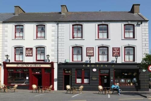 Crotty'S Pub & Accommodation