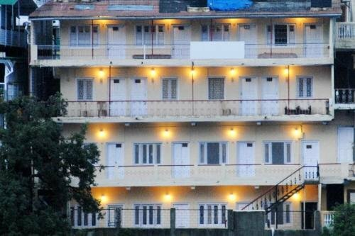 1 Br Boutique stay in Zoo Road, Nainital, by GuestHouser