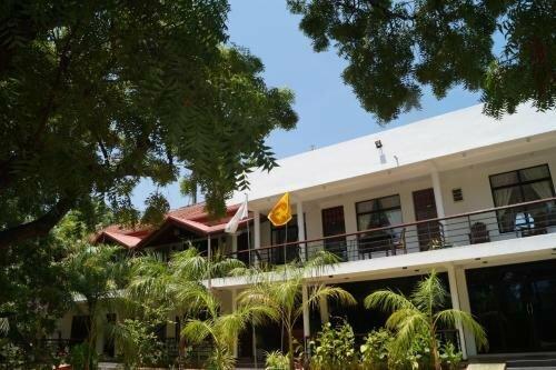 New Sunrise Batticaloa Hotel