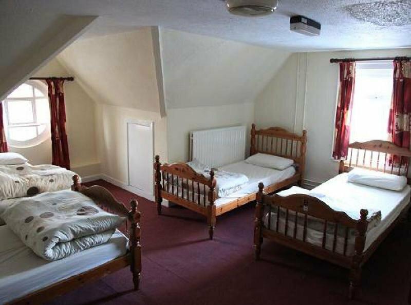 Kinlay House Hostel