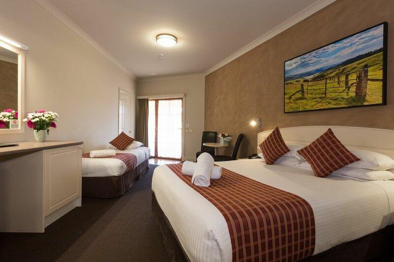 Bowen Inn Motel