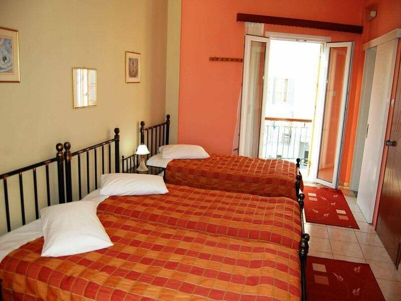 Pefkakia Park Hostel