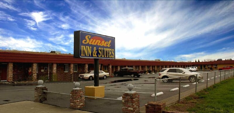 Sunset Inn and Suites