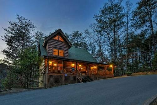 Enchanted Forest - 2 Br cabin by RedAwning