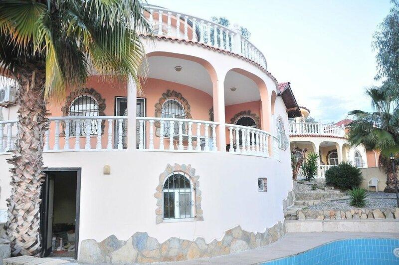 Mustakil Villa