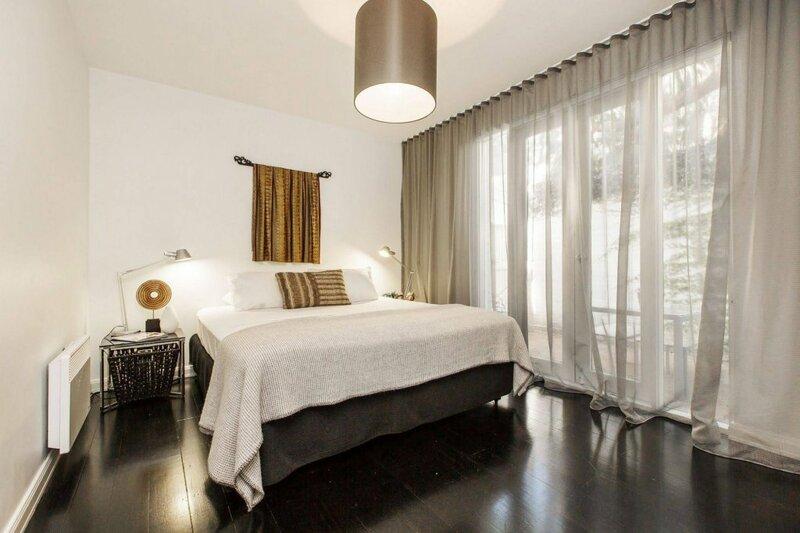 Apartment2C - Moonstruck