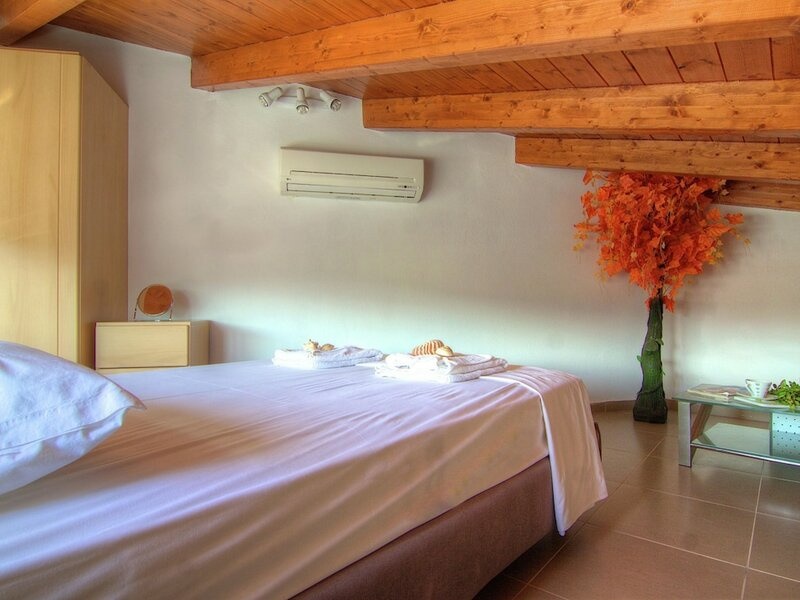 Authentic Villa in Little Village, 10 Pers. at 1, 5km From Sea, Nw Coast