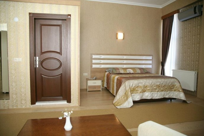 Garden Altinova Hotel