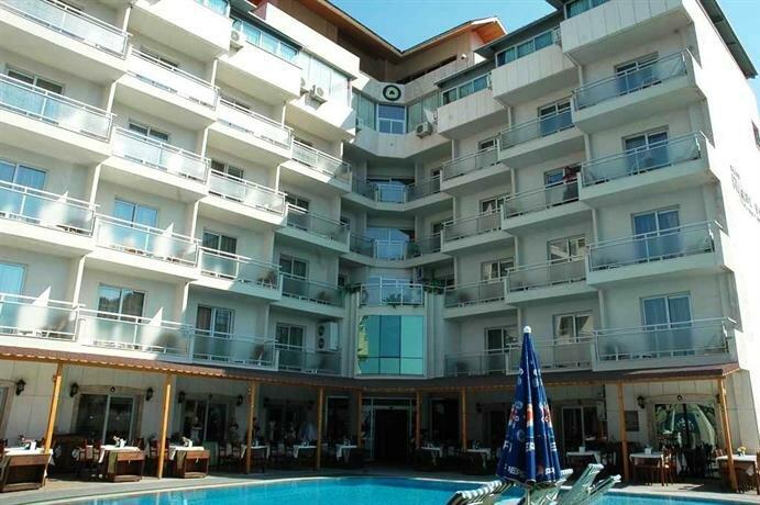 Club Rose Bay Hotel