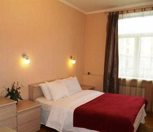 One bedroom apartment near Golden Gates at 8/4 Zol
