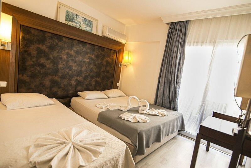 Famous Hotel Marmaris