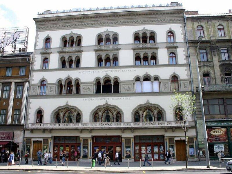 Arriva Balcony Studio
