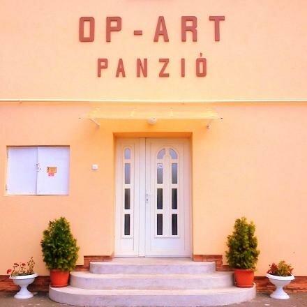 Op-Art Etterem Es Panzio