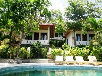 Double One Villas Amed