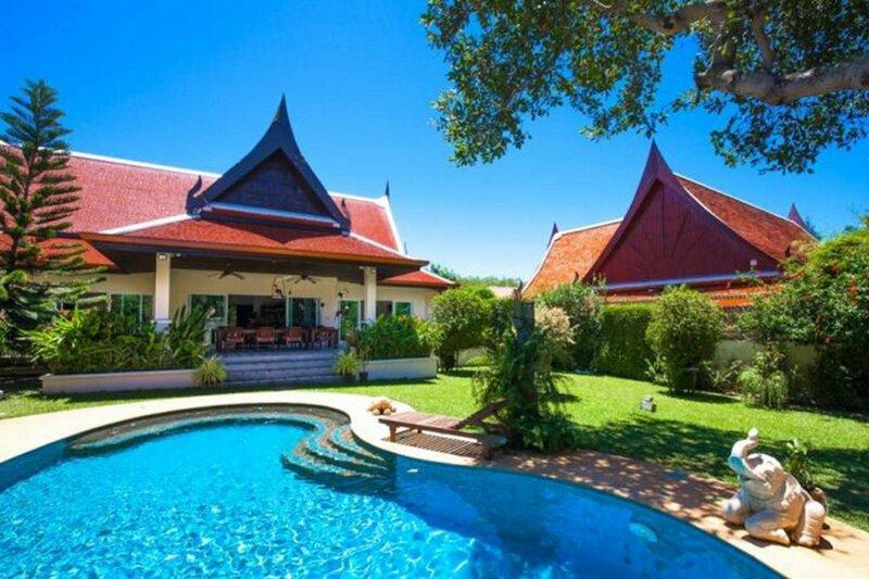 Volnay Villa by Jetta