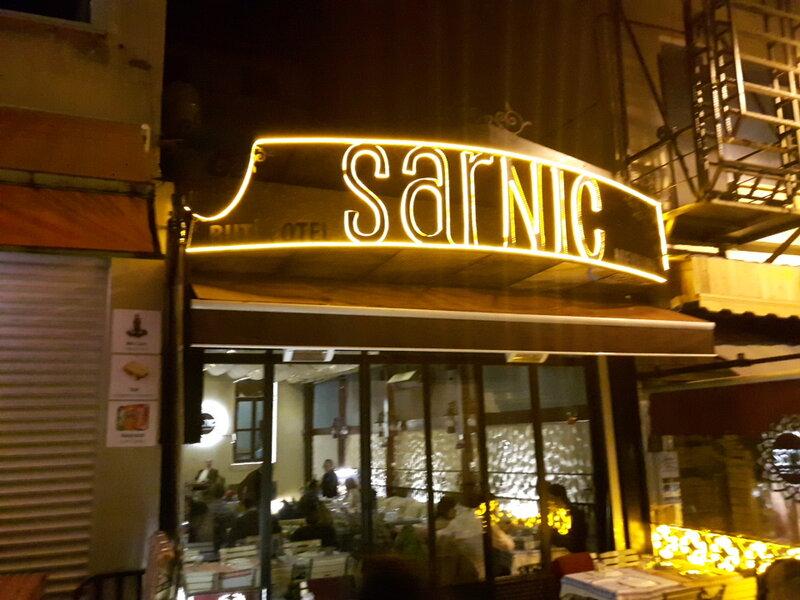 Sarnic Suits & Kitchen