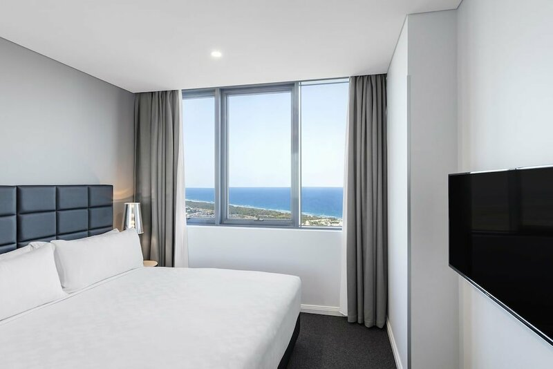 Meriton Suites Southport, Gold Coast