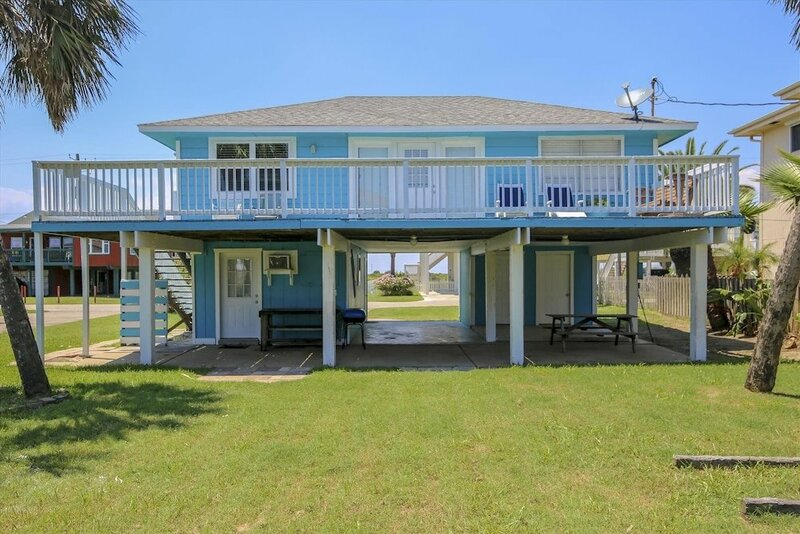 Bermuda Escape 2 Br home by RedAwning