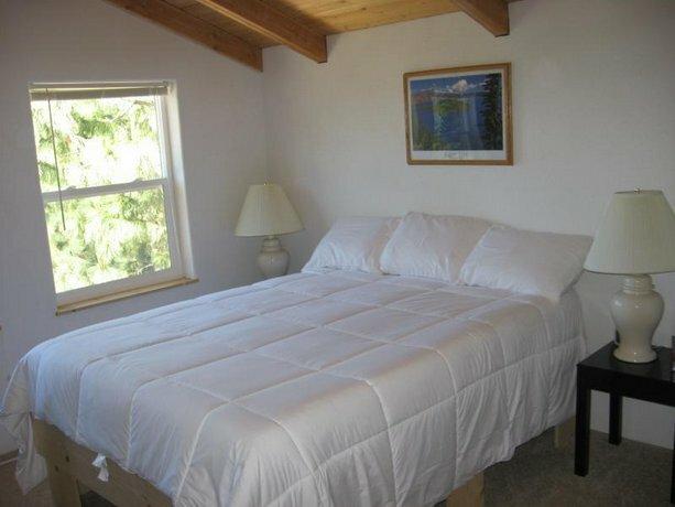 Crater Lake Inn & Retreat