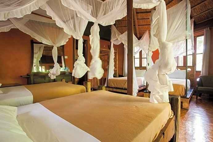 Отель Selous Kinga Lodge