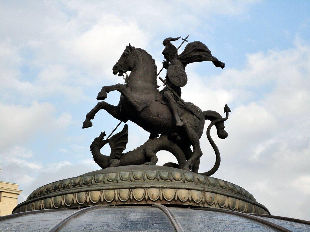 георгий победоносец памятник в москве фото телеведущий тайно