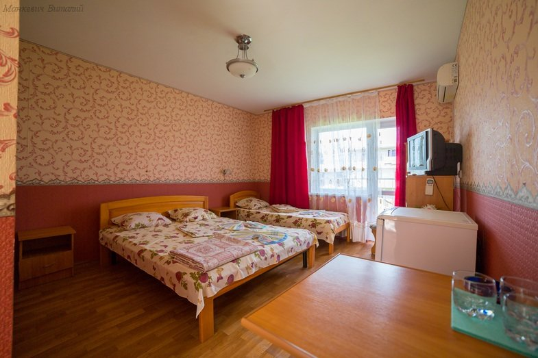 Отель Приморский