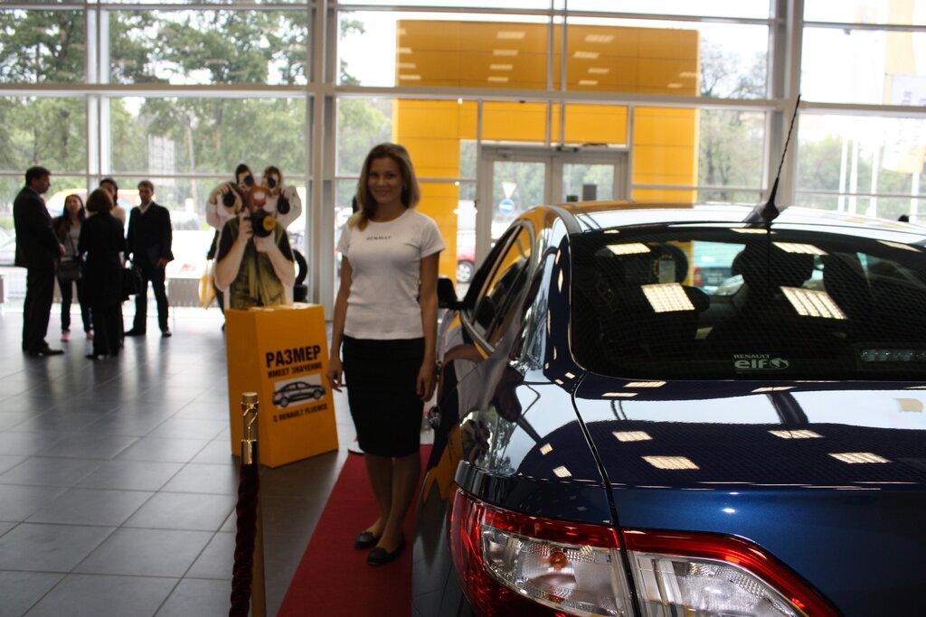 автосалон — Официальный дилер Renault Петровский Автоцентр — Мытищи, фото №1