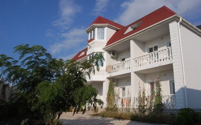 гостиница — Мини-отель Альмена — посёлок городского типа Заозёрное, фото №1