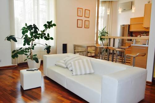 Apartment on Zankovetskoi Street