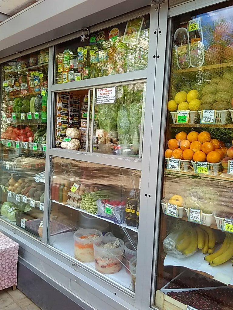 витрина фруктовая в киоске фото нашей